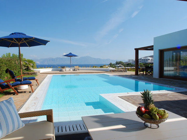 Elounda Beach Exclusive Club  Grand Suites Pool Area