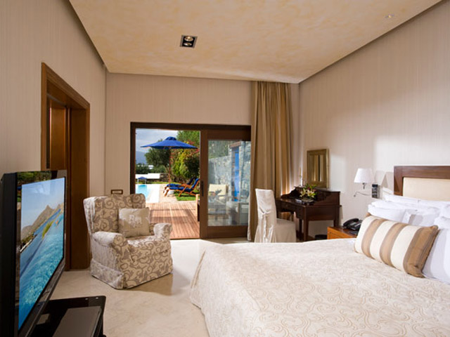 Elounda Beach Exclusive Club  Grand Suites Bedroom