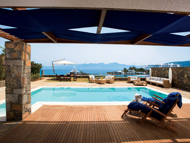 Elounda Beach Exclusive Club  Hideaway Villas Pool Area