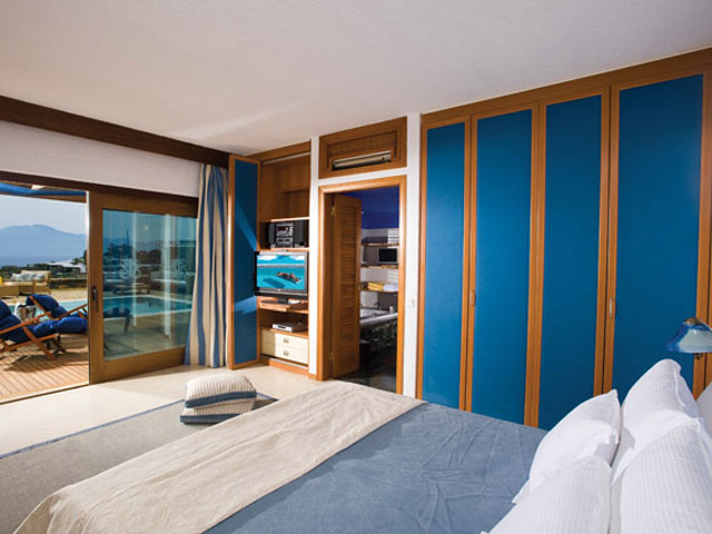 Elounda Beach Exclusive Club  Hideaway Villas Bedroom